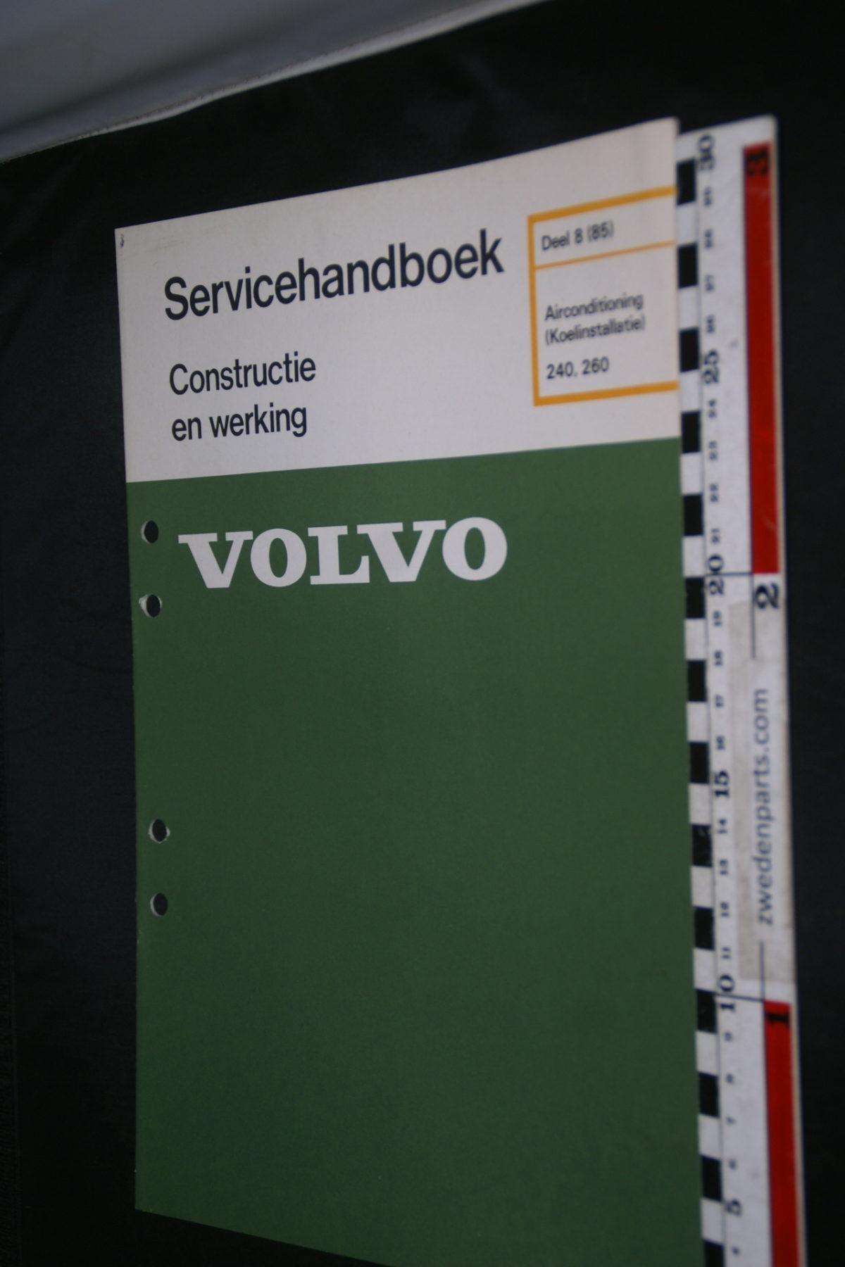 DSC08621 1977 origineel Volvo 240, 260 servicehandboek  8 (85) airco koelinstallatie 1 van 800 TP 11629-1