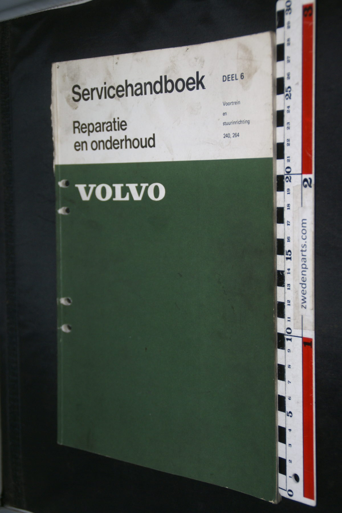 DSC08632 1974 origineel Volvo 240, 264 servicehandboek  6 voortrein en stuurinrichting 1 van 500 TP 11046-1