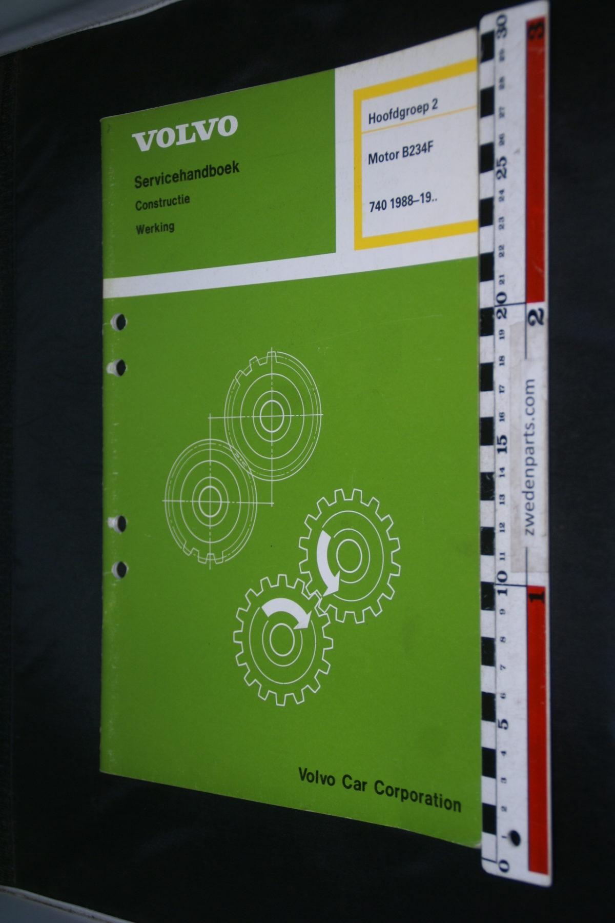 DSC08642 1988 origineel Volvo 740 servicehandboek  2 motor B234F 1 van 800 TP 31265-2
