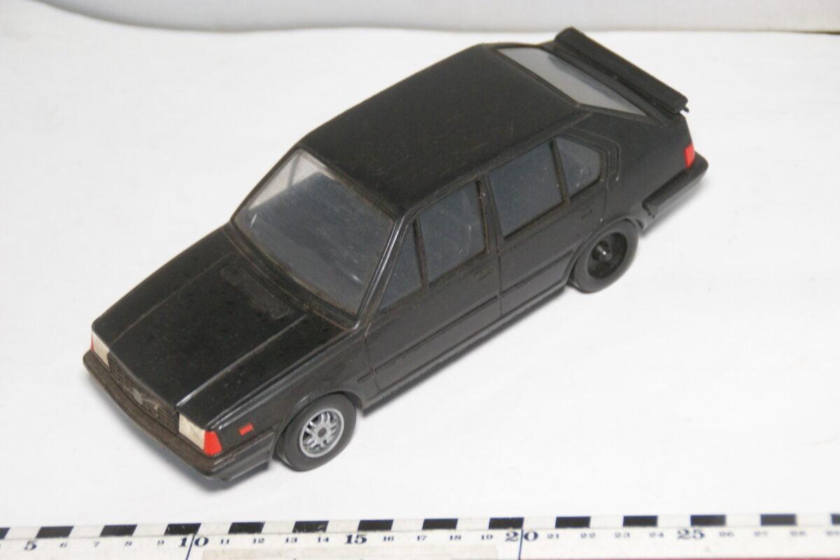 DSC08712 miniatuur Stahlberg Made in Finland Volvo 360GLT zwart ca 1 op 18