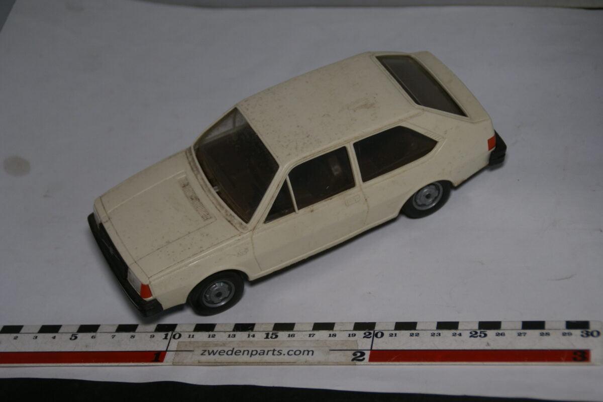 DSC08721 miniatuur Stahlberg Made in Finland Volvo 343DL wit ca 1 op 18
