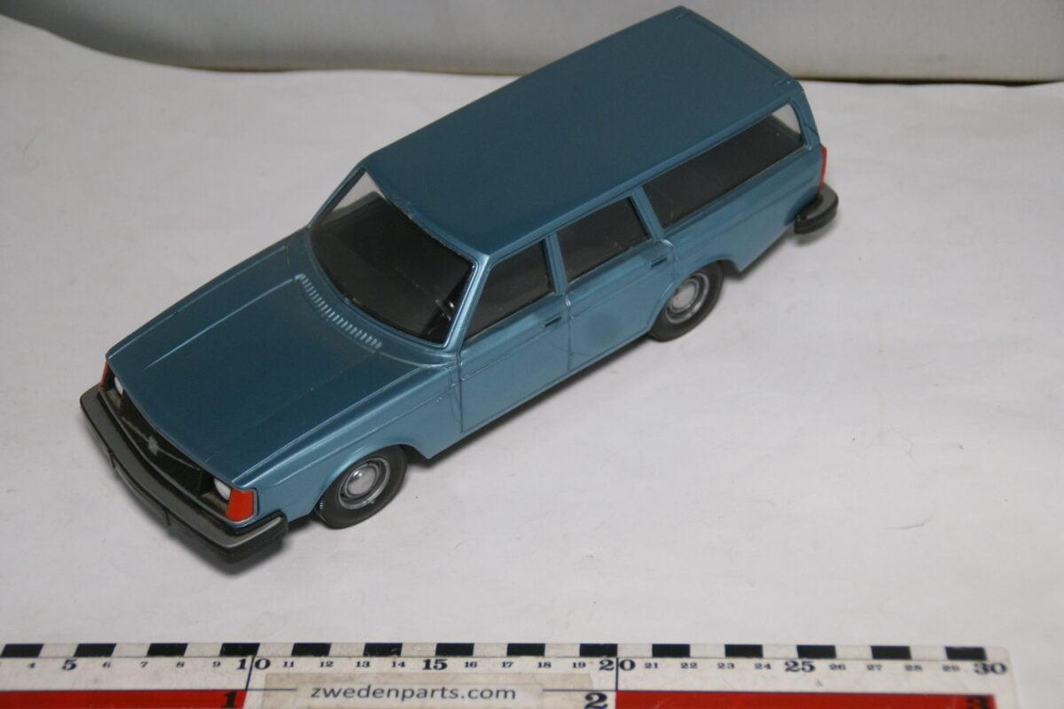 DSC08785 miniatuur Stahlberg Made in Finland Volvo 240DL blauw ca 1 op 18