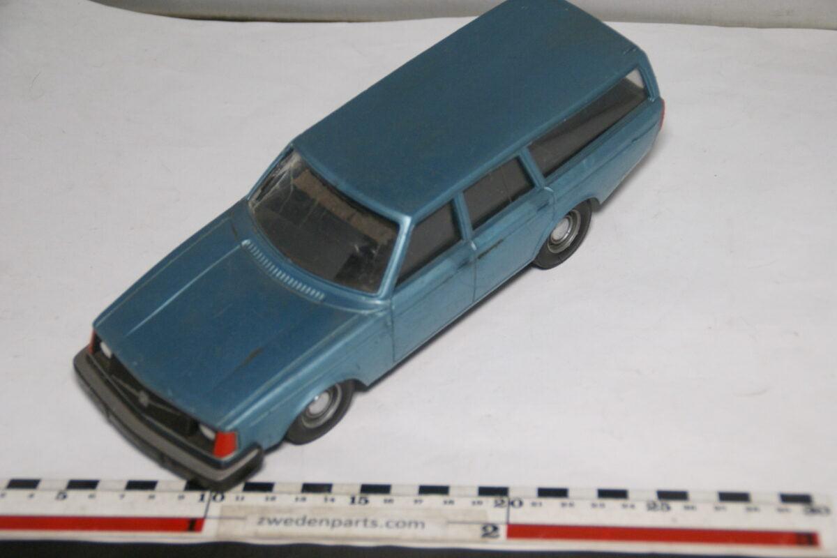 DSC08788 Stahlberg Made in Finland Volvo 240DL blauw ca 1 op 18