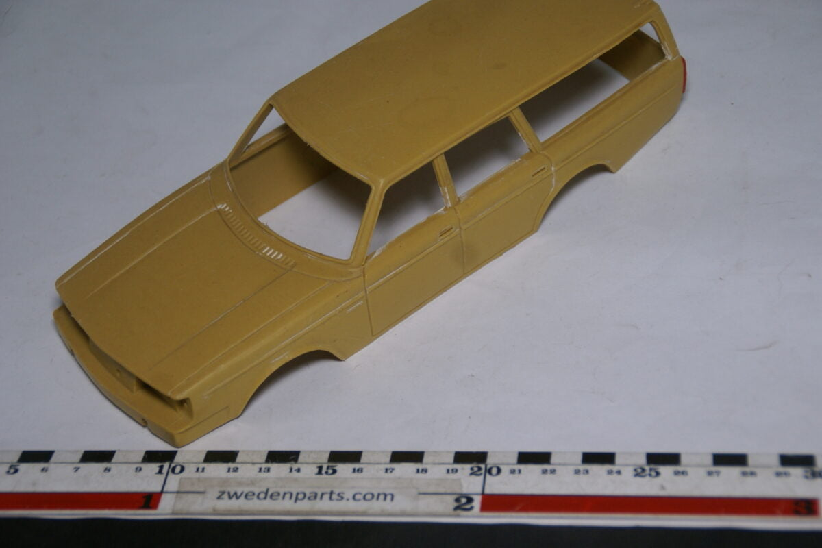 DSC08794 miniatuur Stahlberg Made in Finland Volvo 245GL geel body ca 1 op 18