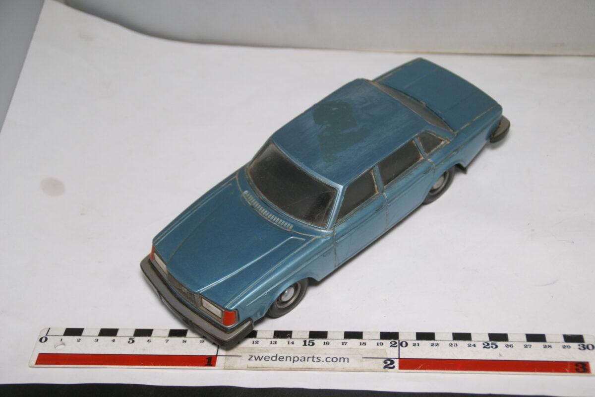 DSC08826 miniatuur Stahlberg Made in Finland Volvo 264GL blauw ca 1 op 18