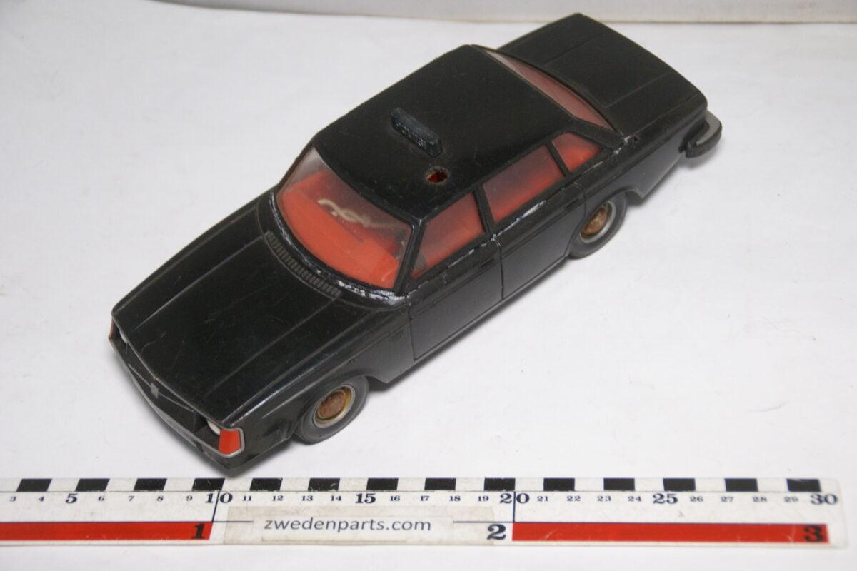 DSC08841 miniatuur Stahlberg Made in Finland Volvo 244DL zwart Poliisi ca 1 op 18