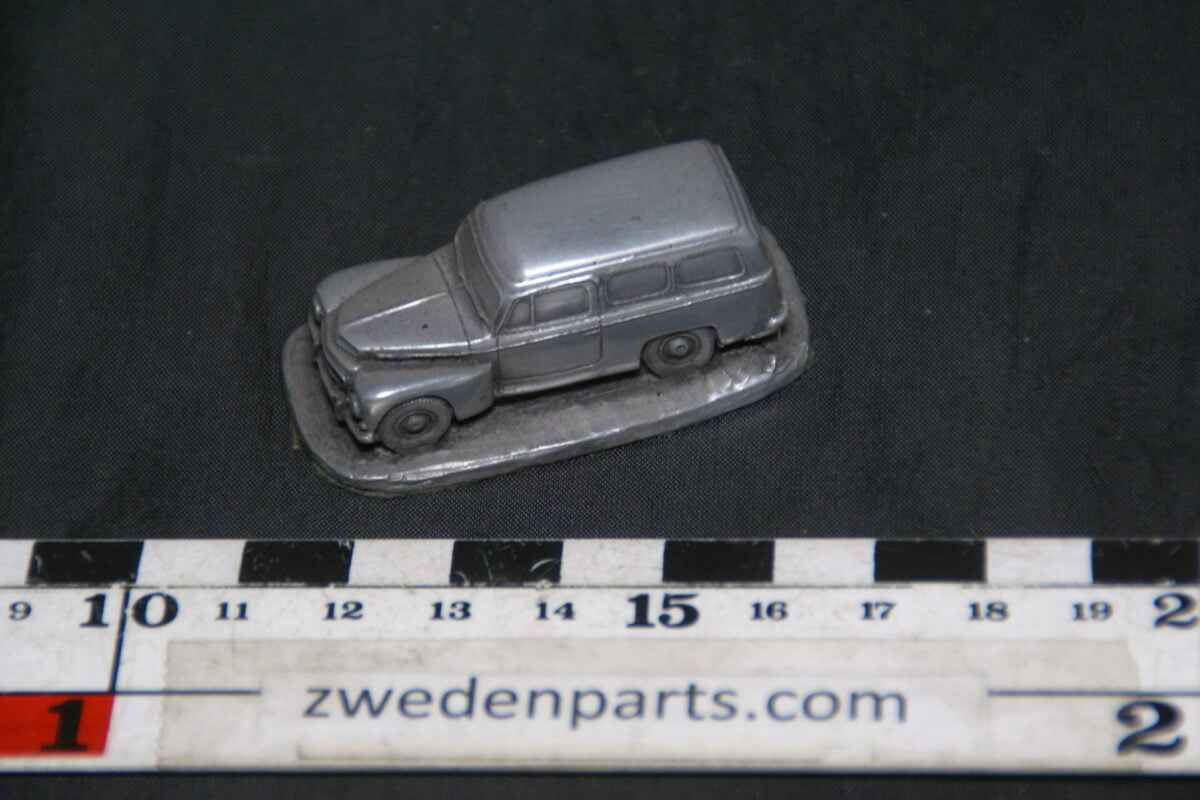 DSC08885 miniatuur Autosculpt Volvo 210 Duett tinkleur 1 op 87