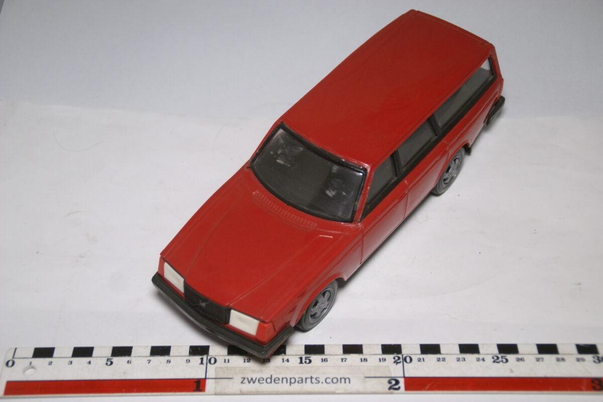 DSC09089 miniatuur Stahlberg Made in Finland Volvo 245GLT rood ca 1 op 18
