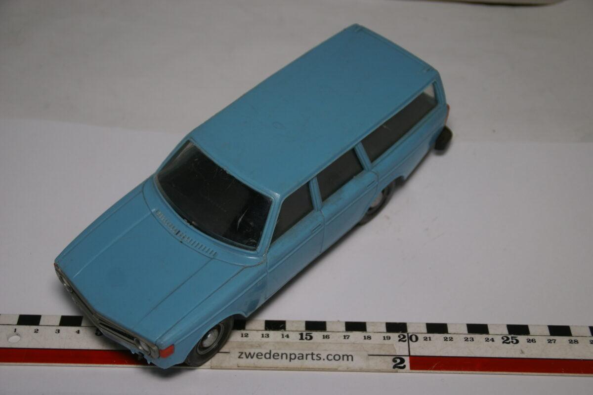 DSC08928 ca 1974 Volvo 145 blauw ca. 1 op 18 Stahlberg made in Finland