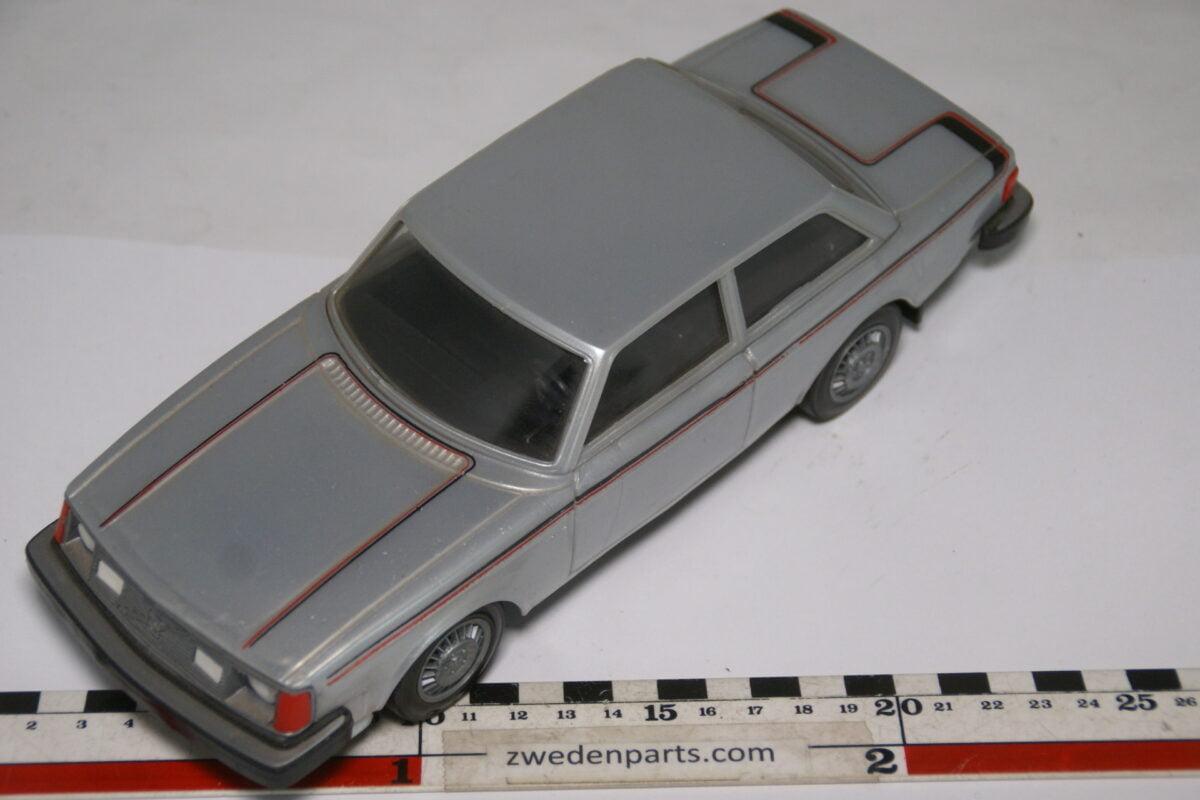DSC08958 ca 1979 Volvo 242GT grijs Mint ca. 1 op 18 Stahlberg made in Finland
