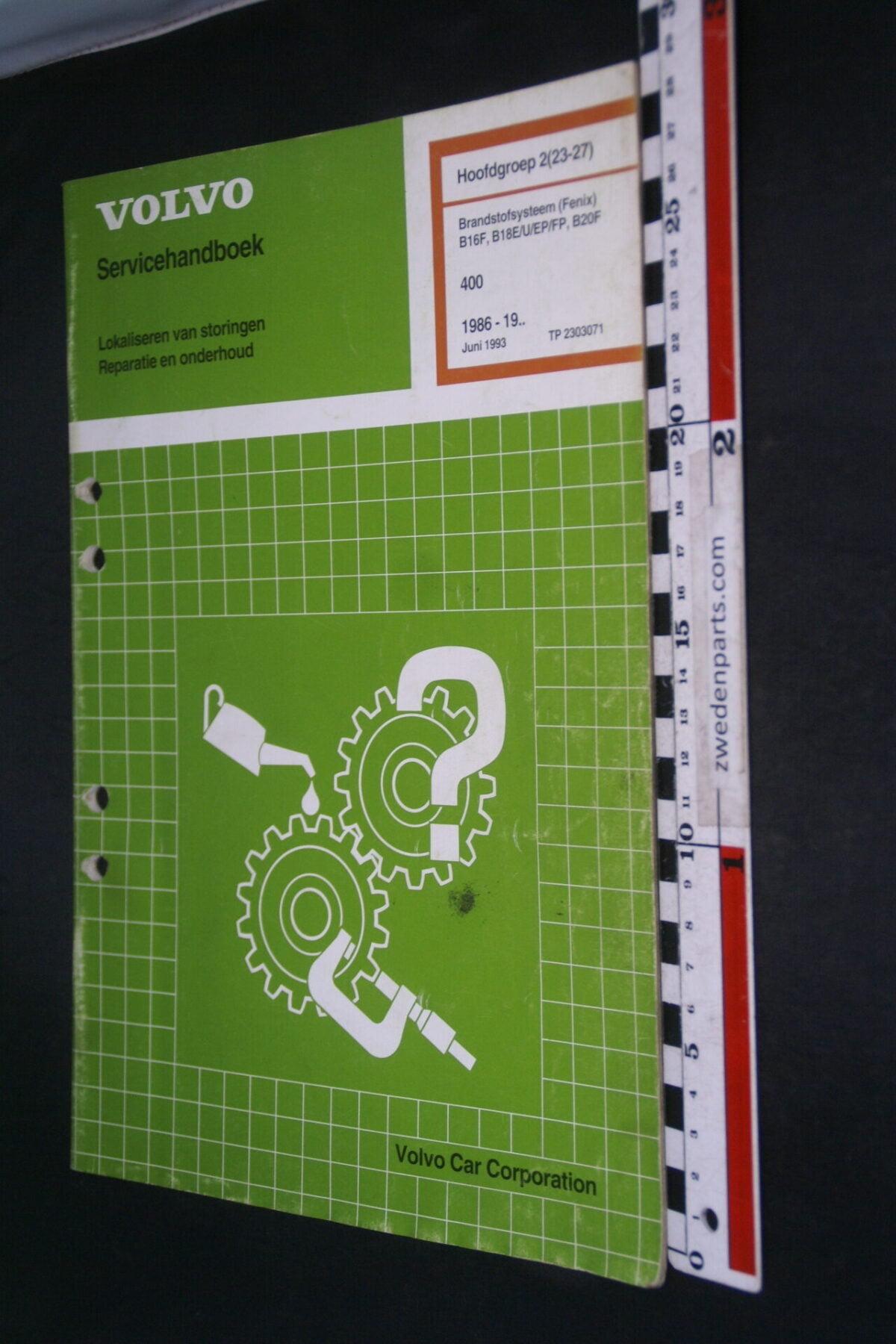 DSC09058 1993 origineel  Volvo 480 servicehandboek brandstofsysteem 2 (23-27) 1 van 1.000 nr TP 2303071