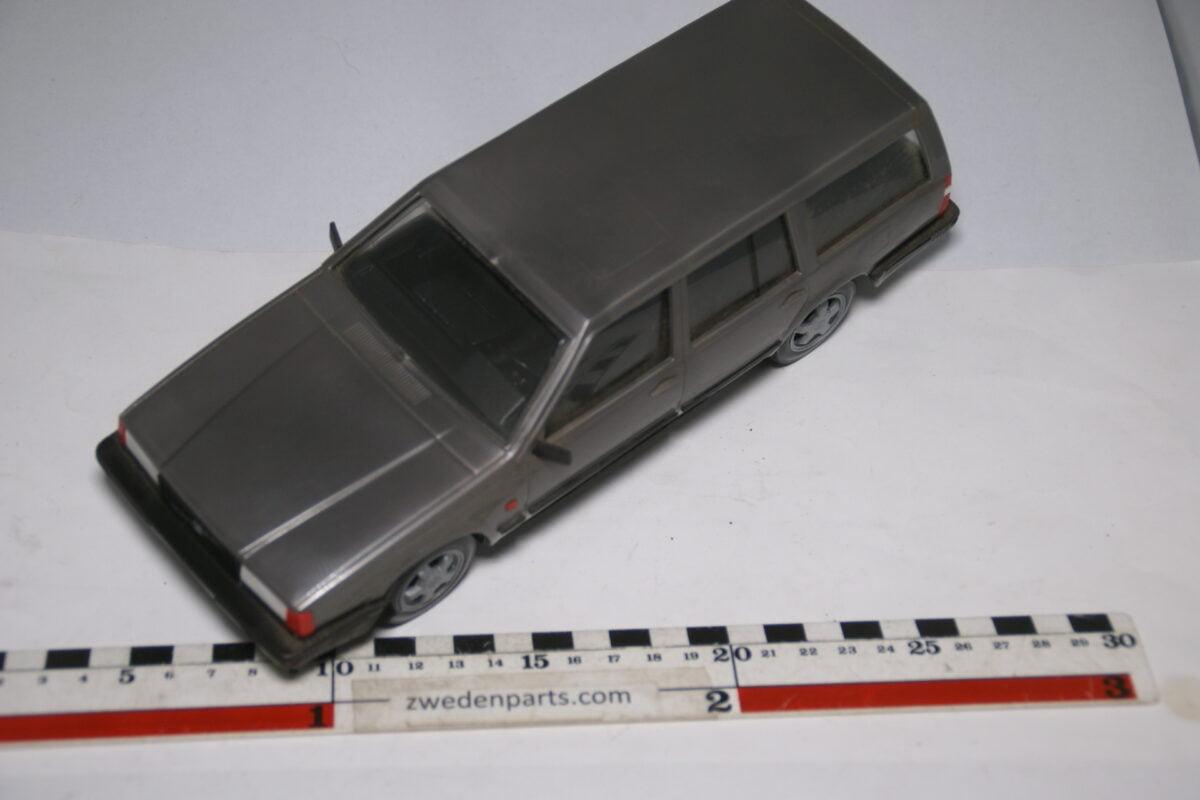 DSC09162 miniatuur Stahlberg Made in Finland Volvo 740 turbo intercooler grijs ca 1 op 18