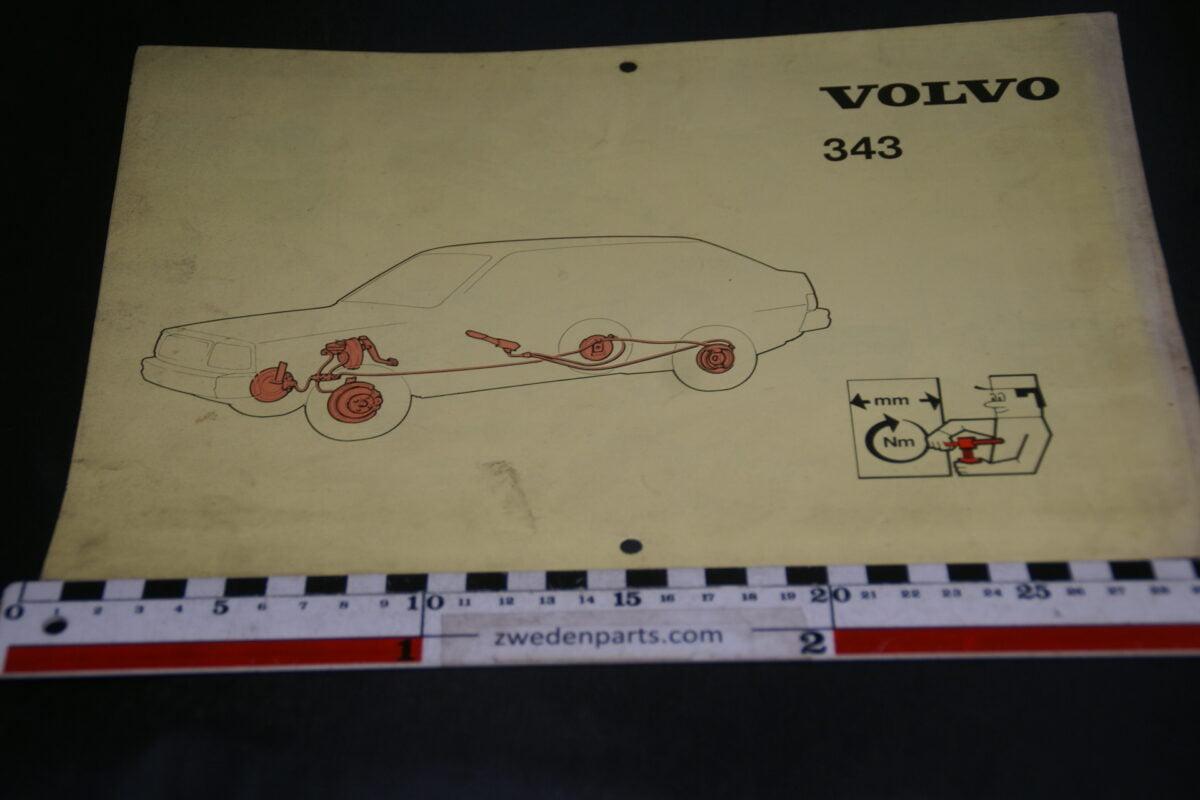 DSC09431 1982 origineel technische kaarten Volvo 343 1 van 3.000 nr TP 12258-1