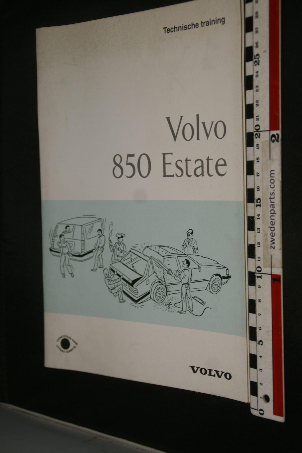 DSC09439 1982 origineel technische training Volvo 850 Estate intern gebruik 1 van 6.500 nr TP 74524