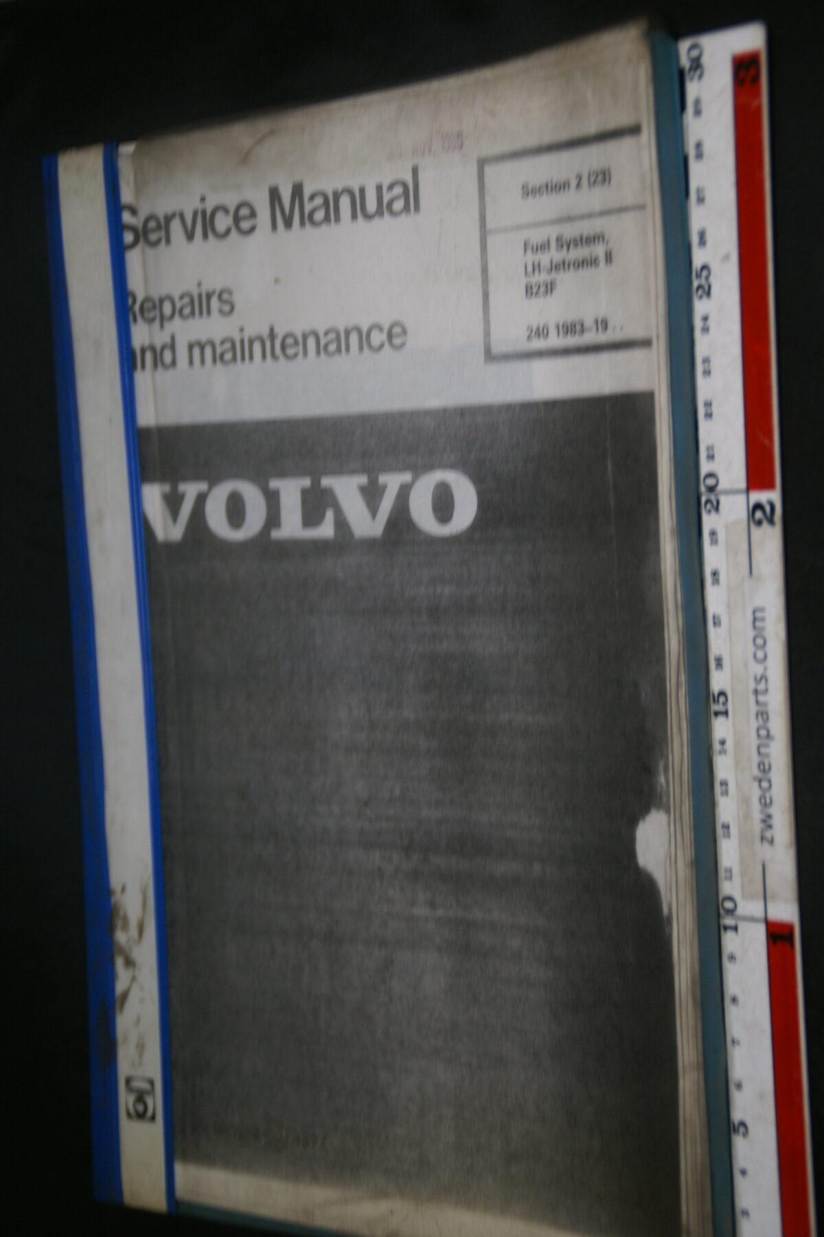 DSC09441 1983 werkplaatsboek 2 (23) Fuel System B23F  Volvo 240, English