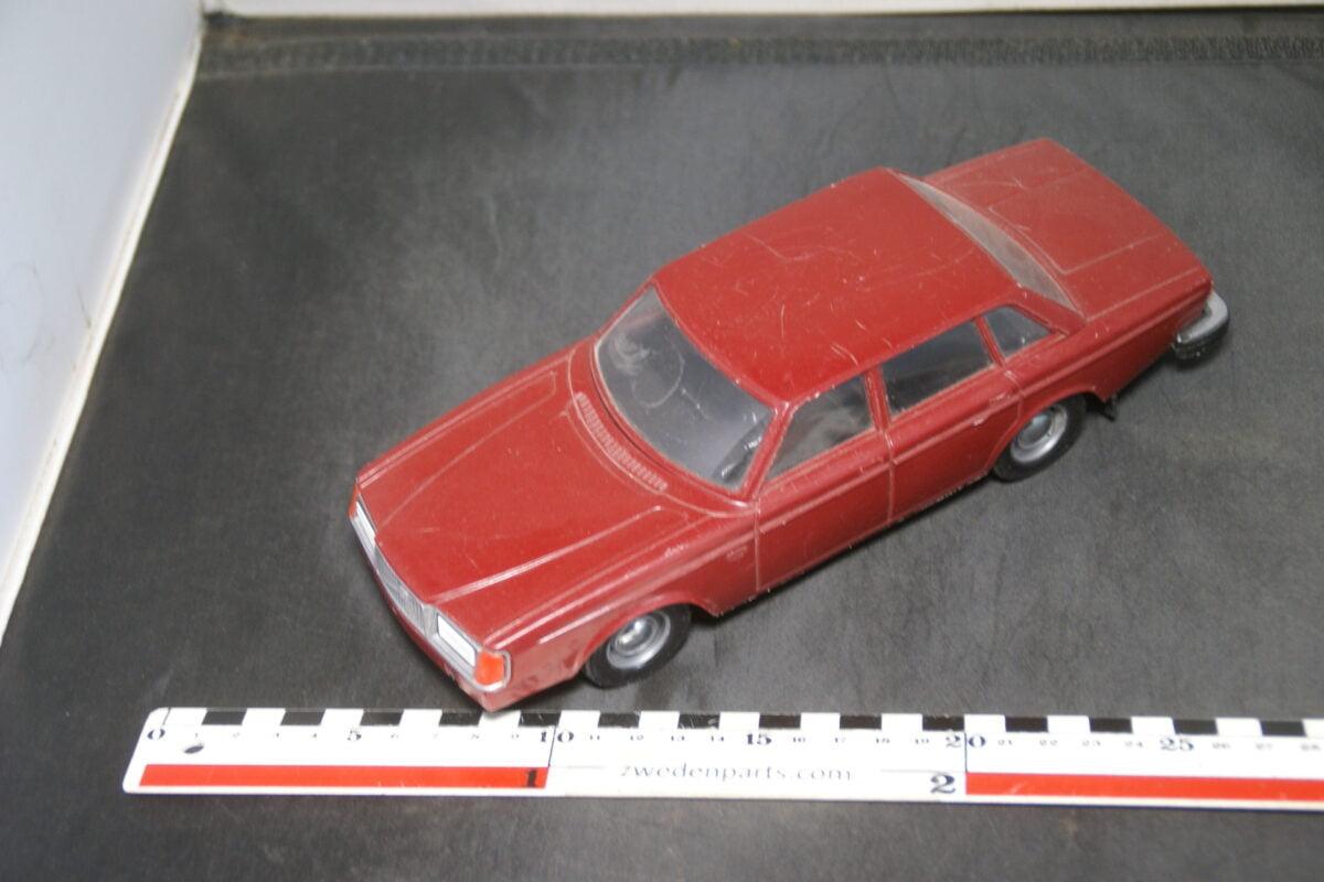 DSC09448 ca 1977 minatuur Stahlberg Made in Finland Volvo 260 264GL rood ca 1op18