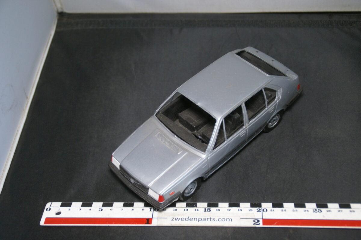 DSC09458 ca 1980 minatuur Stahlberg Made in Finland Volvo 360GLT grijs ca 1op18