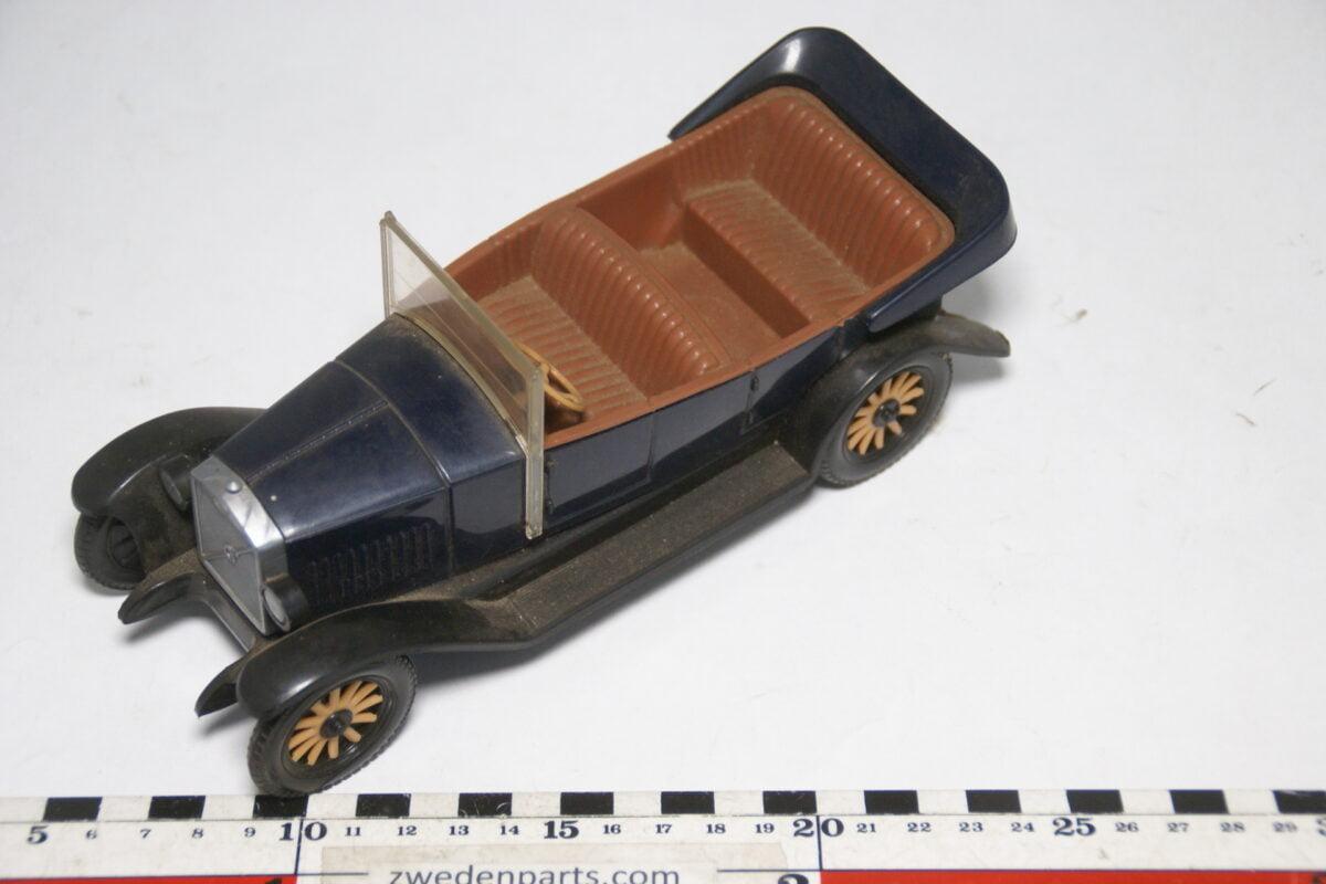 DSC09463 ca 1927 minatuur Stahlberg Made in Finland Volvo Jakob OV4 blauw zwart ca 1op18