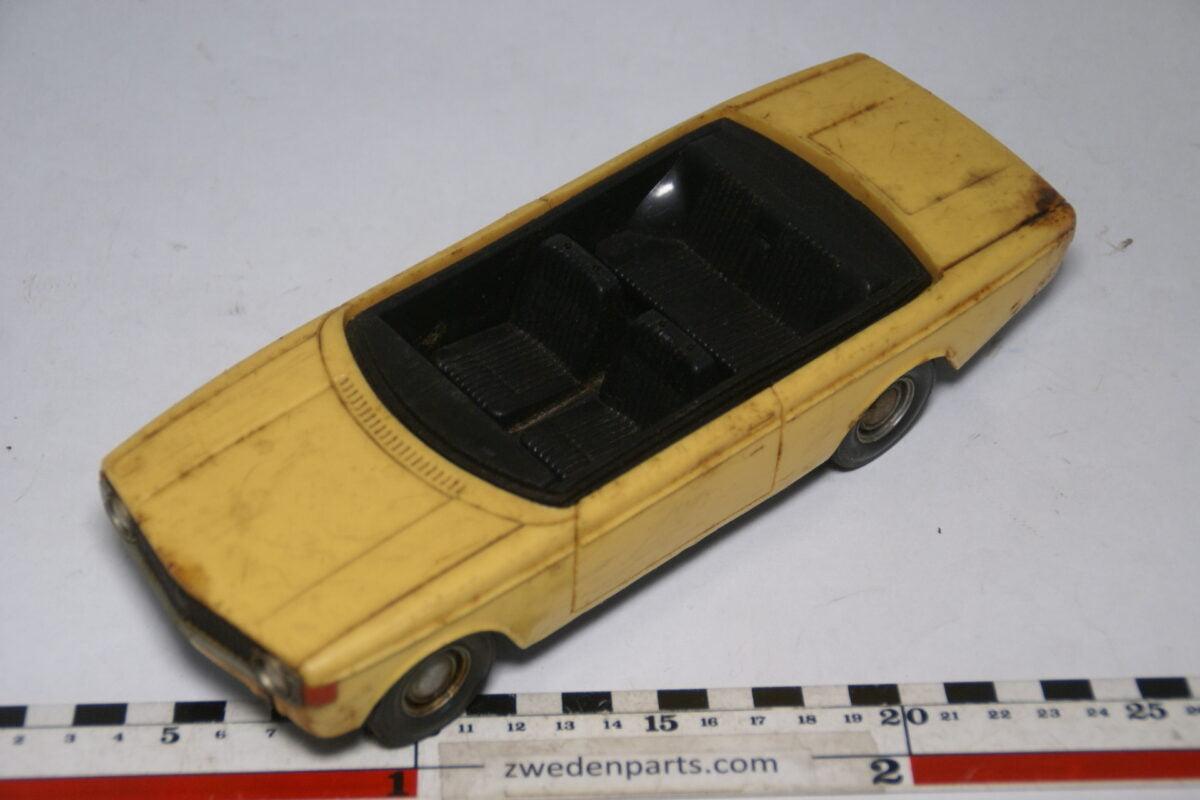 DSC09472 ca 1973 minatuur Stahlberg Made in Finland Volvo 140 142 geel ca 1op18