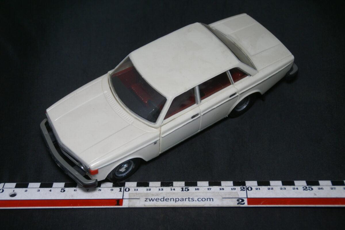 DSC09475 1974 minatuur Stahlberg Made in Finland Volvo 140 144 wit oranje ca 1op18