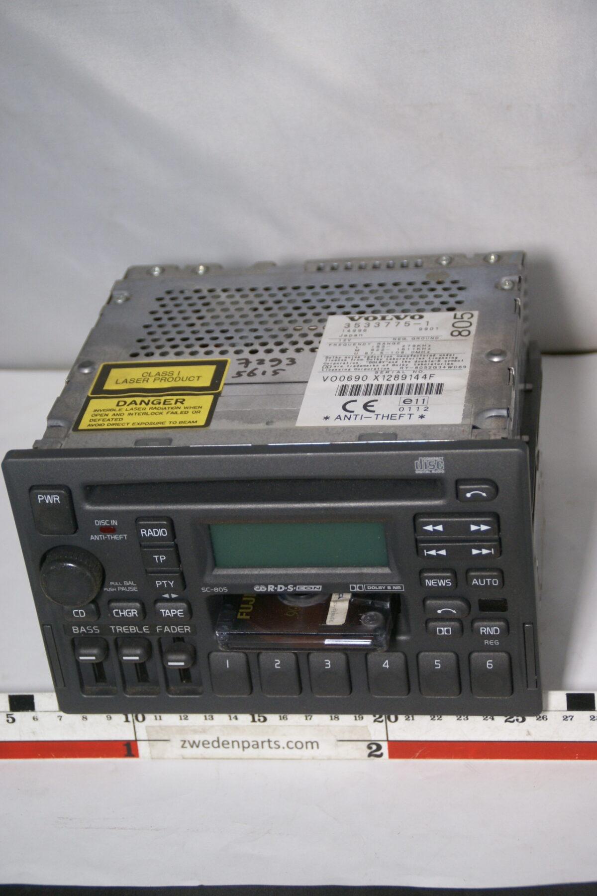DSC08350 originele Volvo bigfront radio cassettespeler CD speler SC805 met code-988b6e19