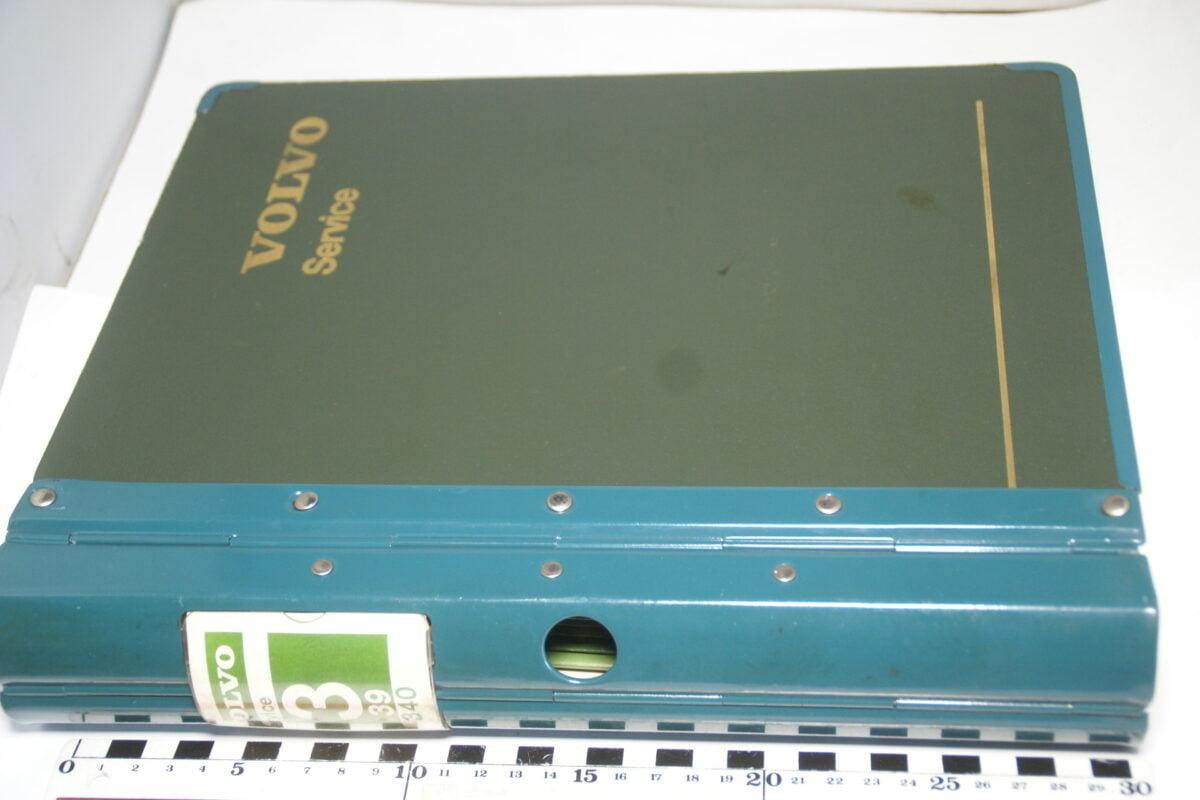 DSC08359 originele Volvo map met serviceboeken 340 nr 3 39-417e0706