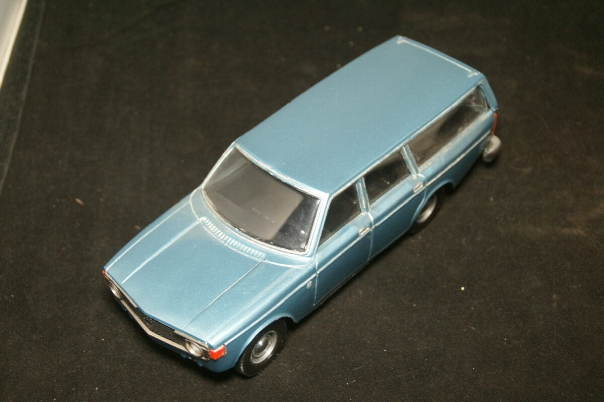 DSC09679 1974 miniatuur Volvo 145 blauw 1op18 Stahlberg made in Finland-9942666b