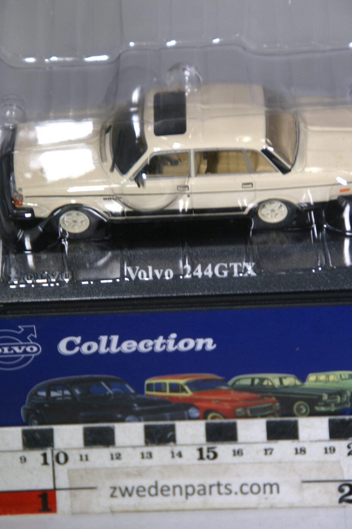 DSC00500 miniatuur Volvo 244GTX beige 1op43 Atlas 62 nieuw in originele verpakking-dab53ba0