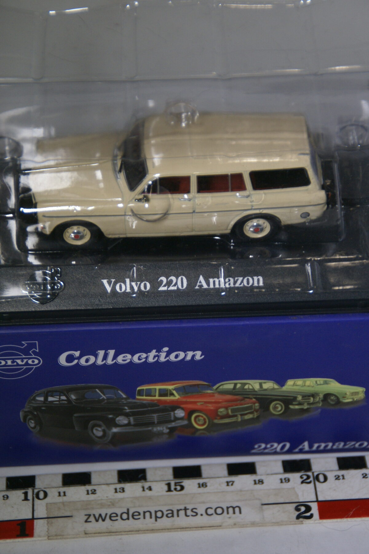 DSC00511 miniatuur Volvo Amazon combi 220 creme 1op43 Atlas 21 nieuw in originele verpakking-3ce90768