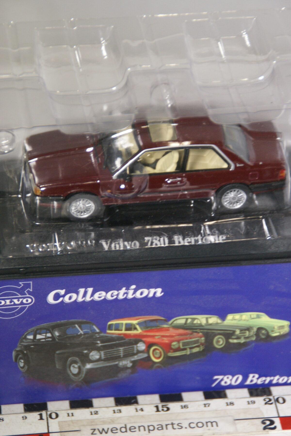 DSC00527 miniatuur Volvo 780 Bertone rood 1op43 Atlas 24 nieuw in originele verpakking-08351d1a