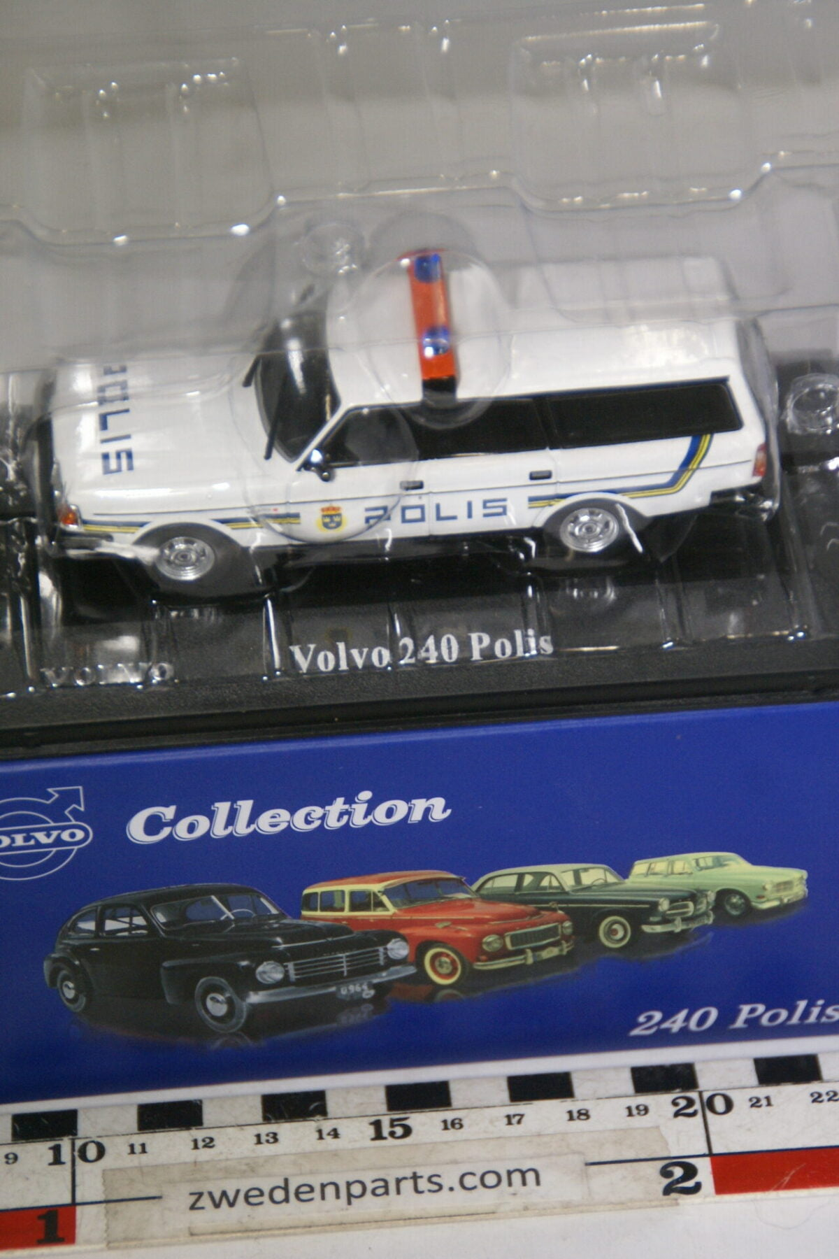 DSC00533 miniatuur Volvo 245 polis Stockholm wit 1op43 Atlas 49 nieuw in originele verpakking-120b8bb5