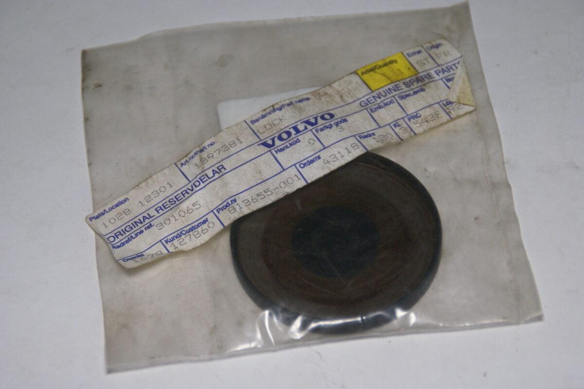 DSC09550 origineel Volvo V90 afdekdop nokkenas nr 1397381 NOS-b782f826