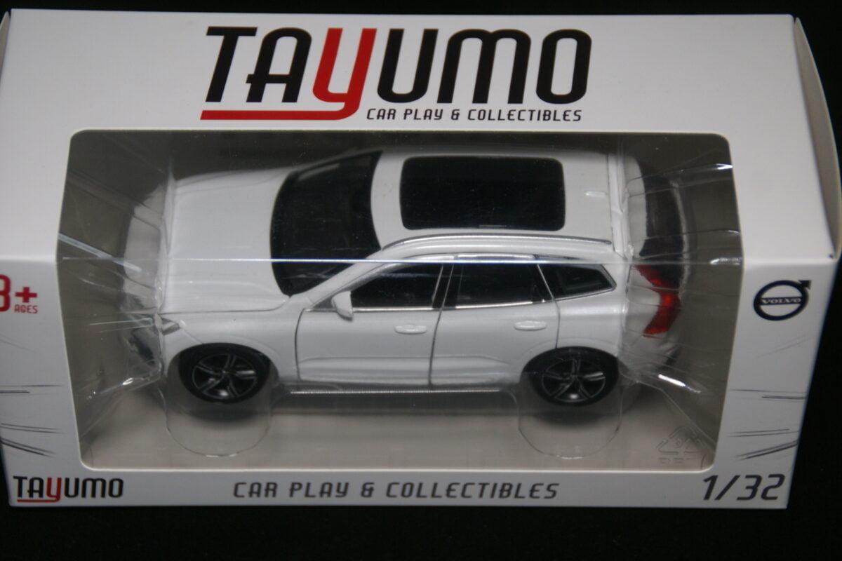 DSC09596 miniatuur Volvo XC60 wit pearl 1op32 Tayumo nr 32100113 MB-3aa869ed