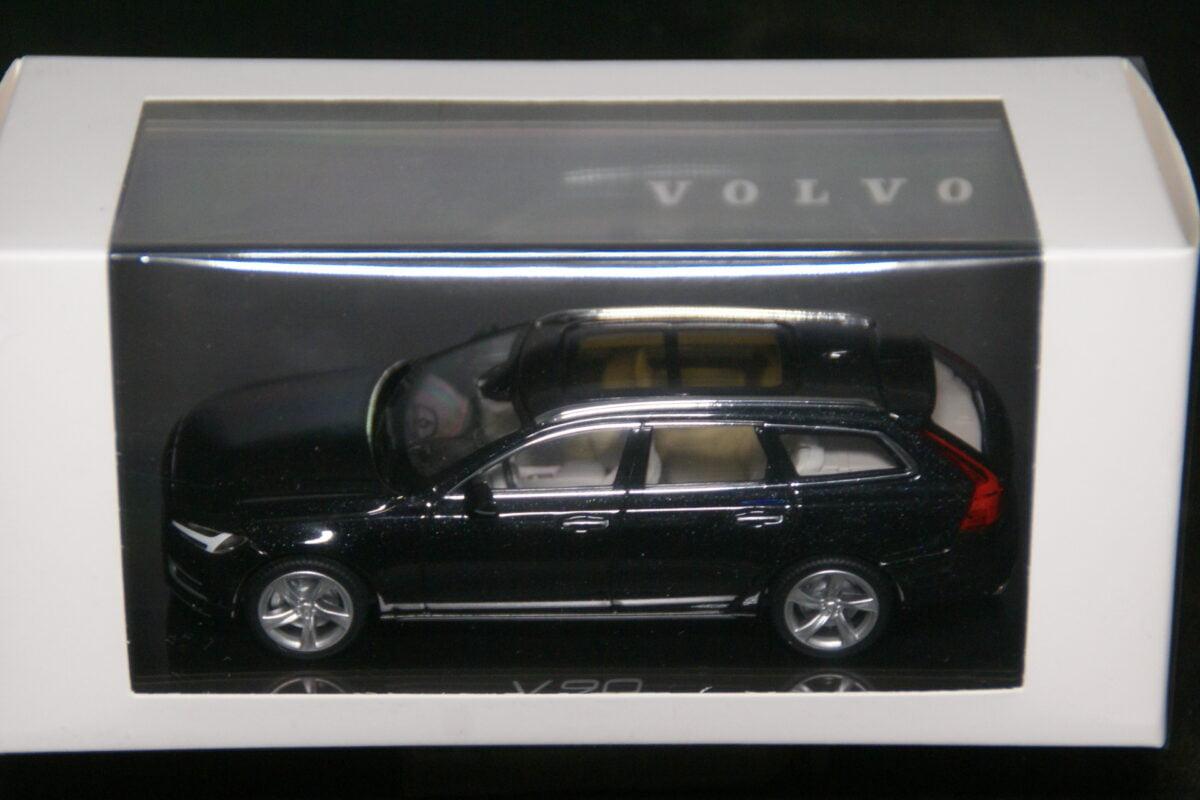 DSC09612 2020 miniatuur Volvo V90 onyx zwart 1op43 Norev nr 2300542 MB-2025b905