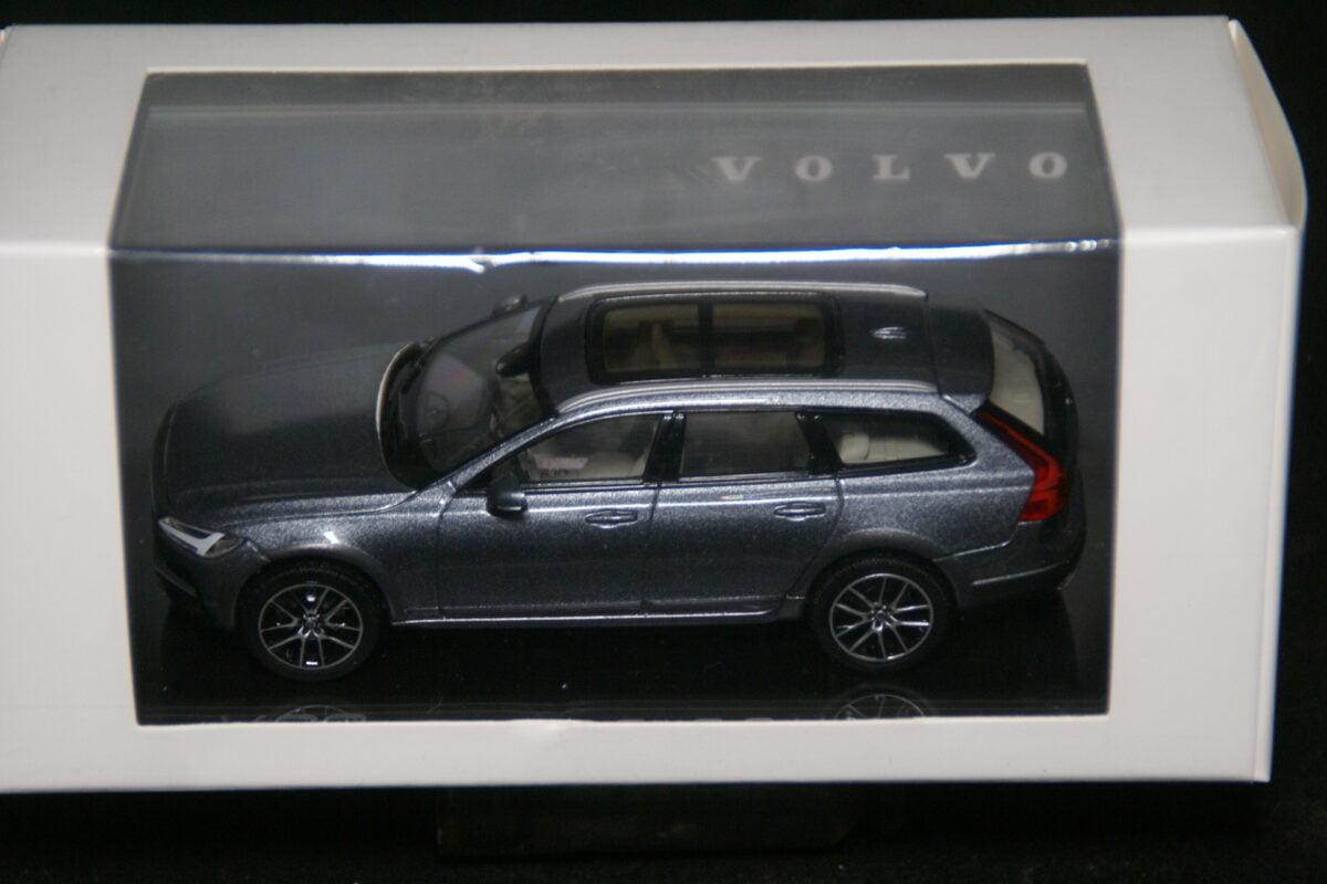 DSC09614 2020 miniatuur Volvo V90 grijs 1op43 Norev nr 376387 MB-bf0b19e2