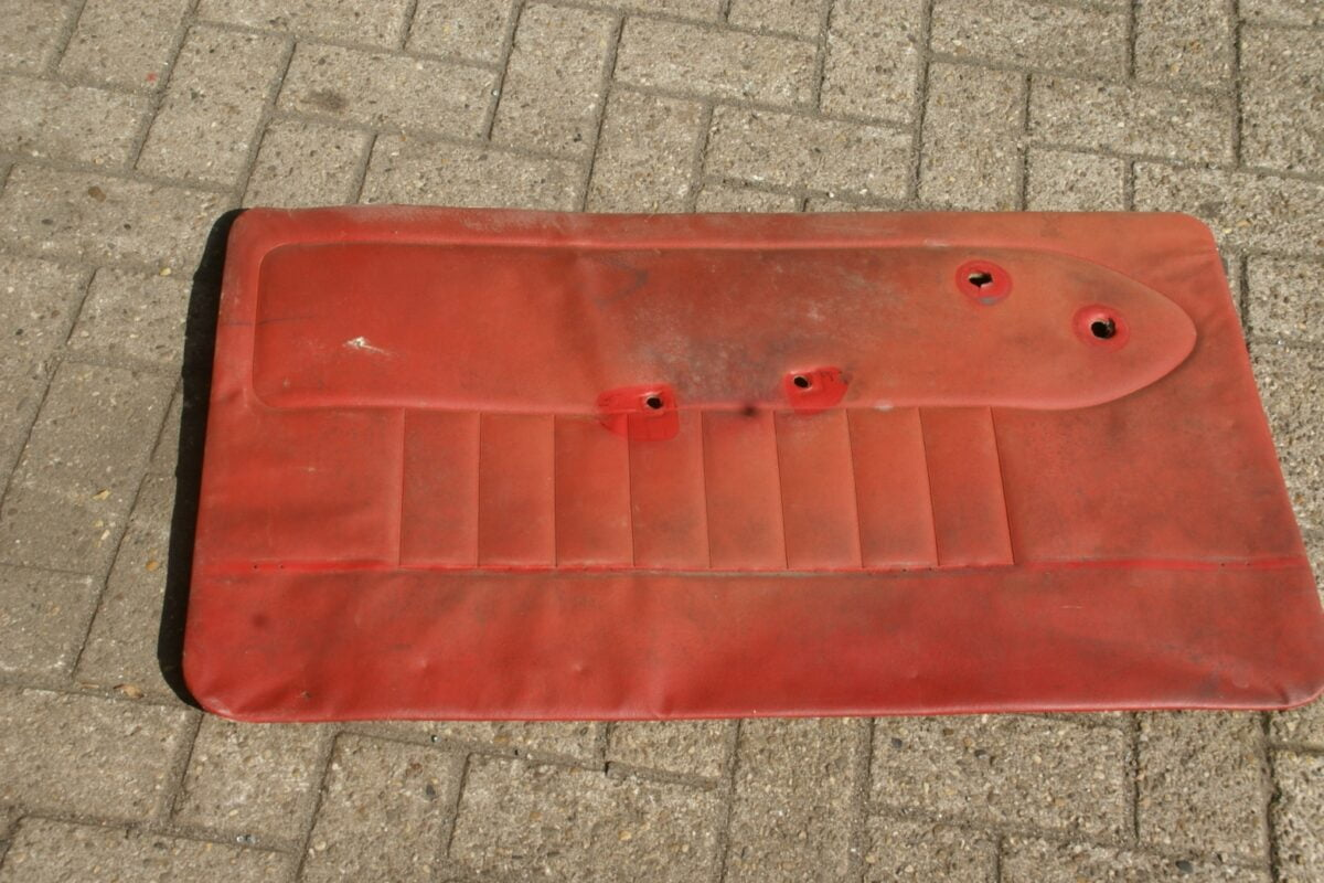 DSC09635 Volvo PV 544 portierpaneel links rood-754a866f