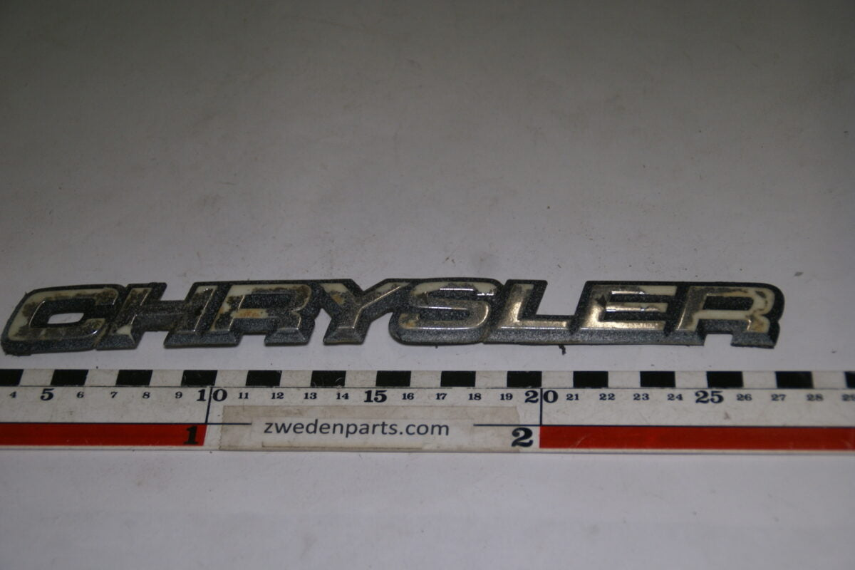 DSC00106 origineel embleem Chrysler-c49eb5d0