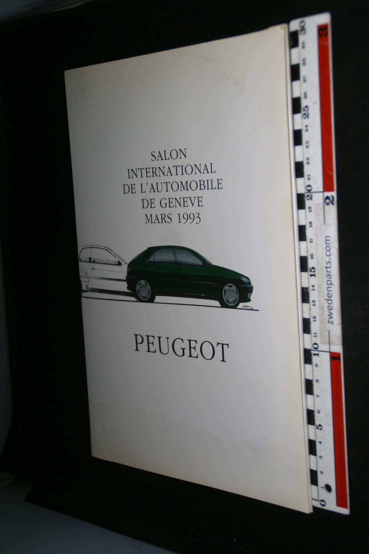 DSC00410 1993 origineel Peugeot Geneve persmap, English-47d1b107