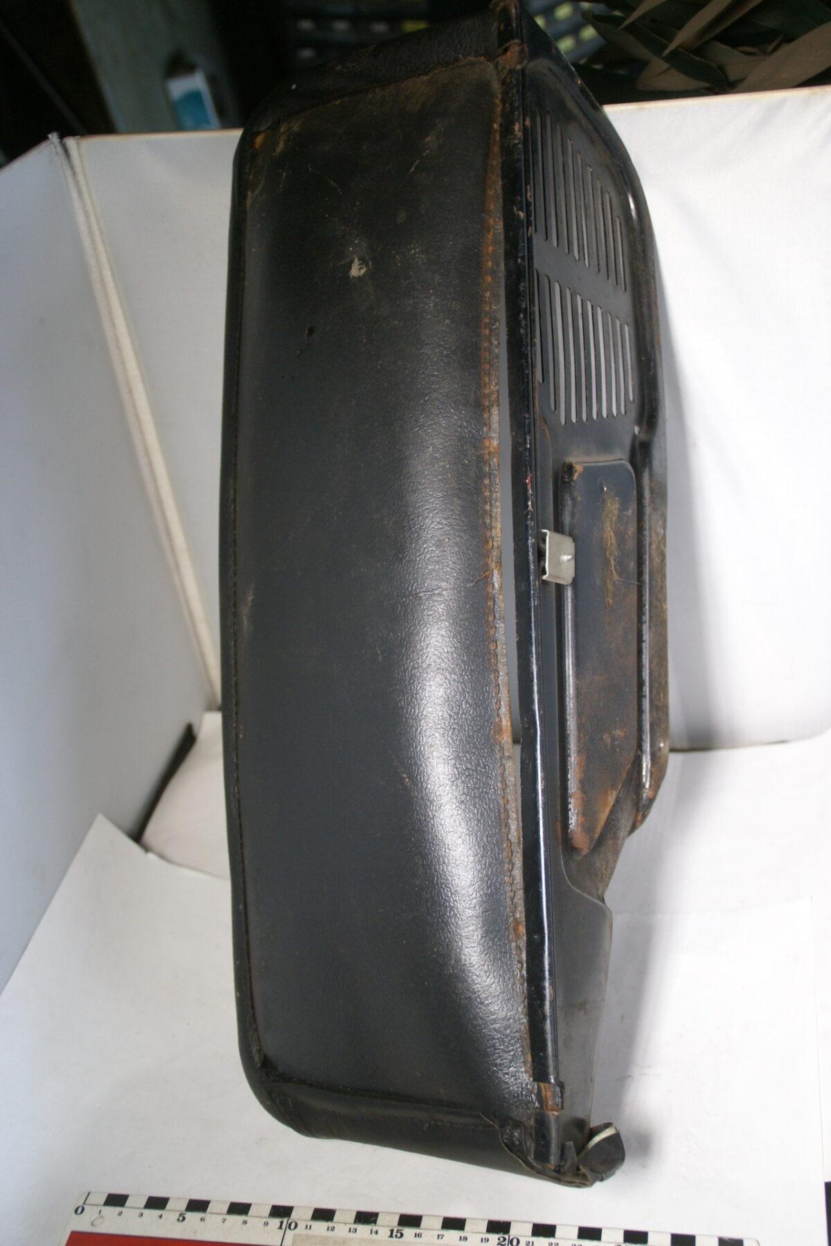 DSC00482 origineel Volvo Amazon handschoenenvakje-19796452