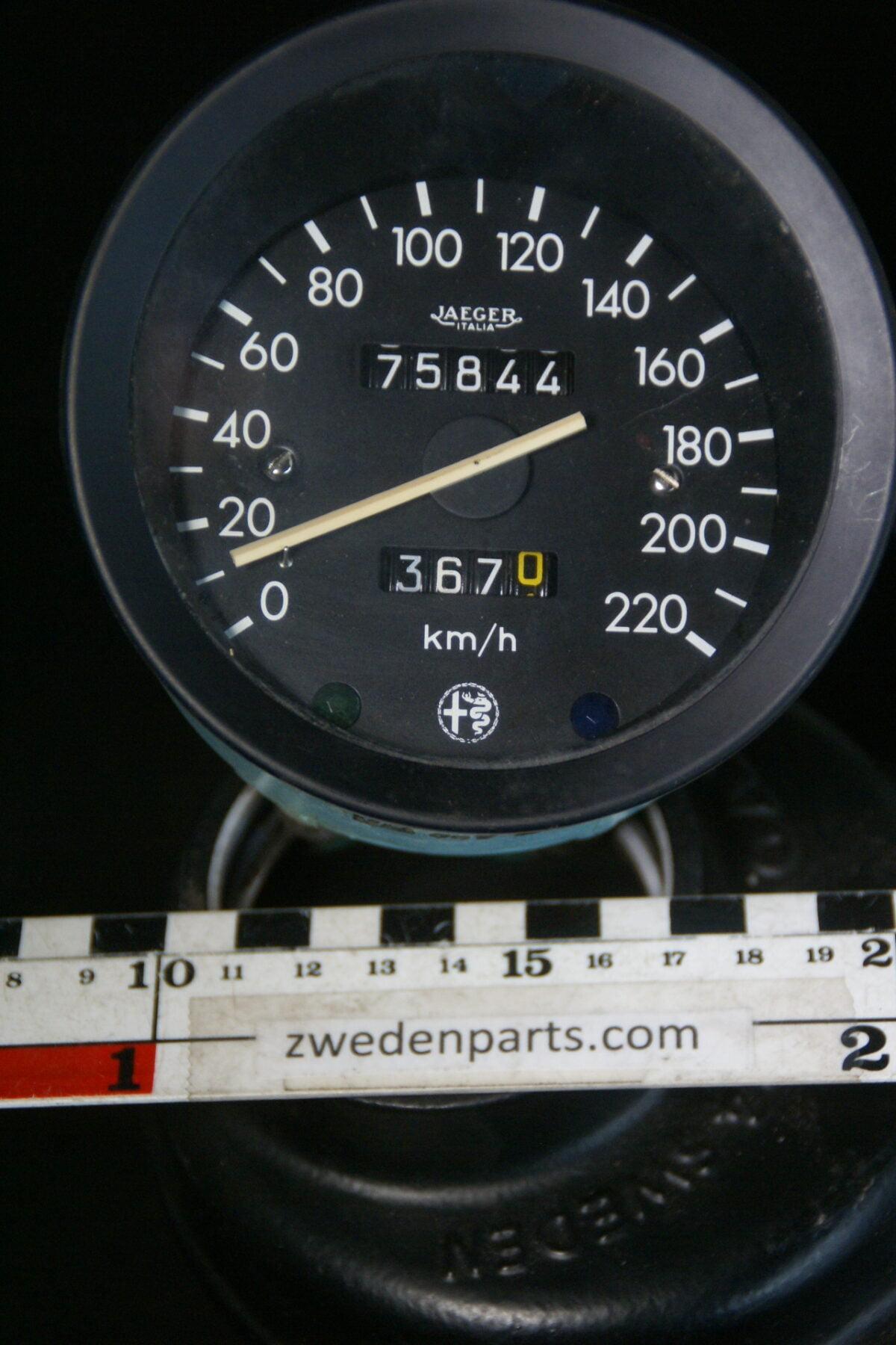 DSC01181 origineel Alfa Romeo 1750 kilometerteller JAEGER-0bc69c02
