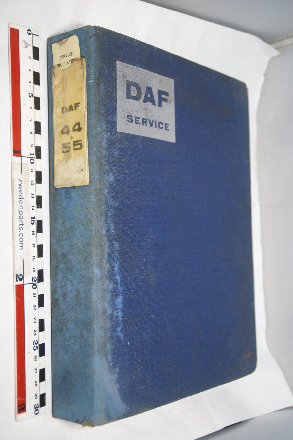 DSC01277 origineel DAF 44 en 55 onderdelenboek-655f6553