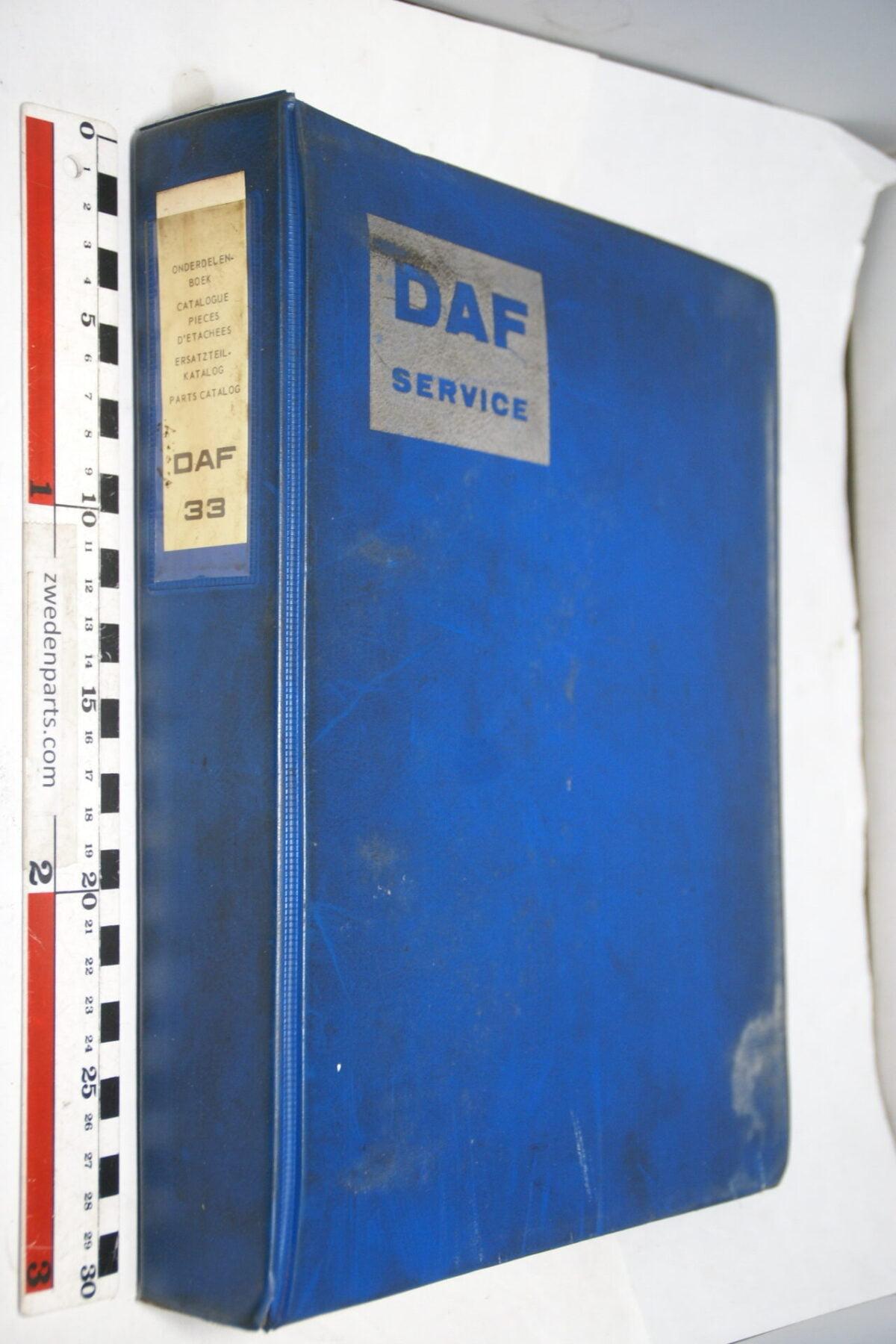 DSC01279 origineel DAF 33 onderdelenboek-d673ead3