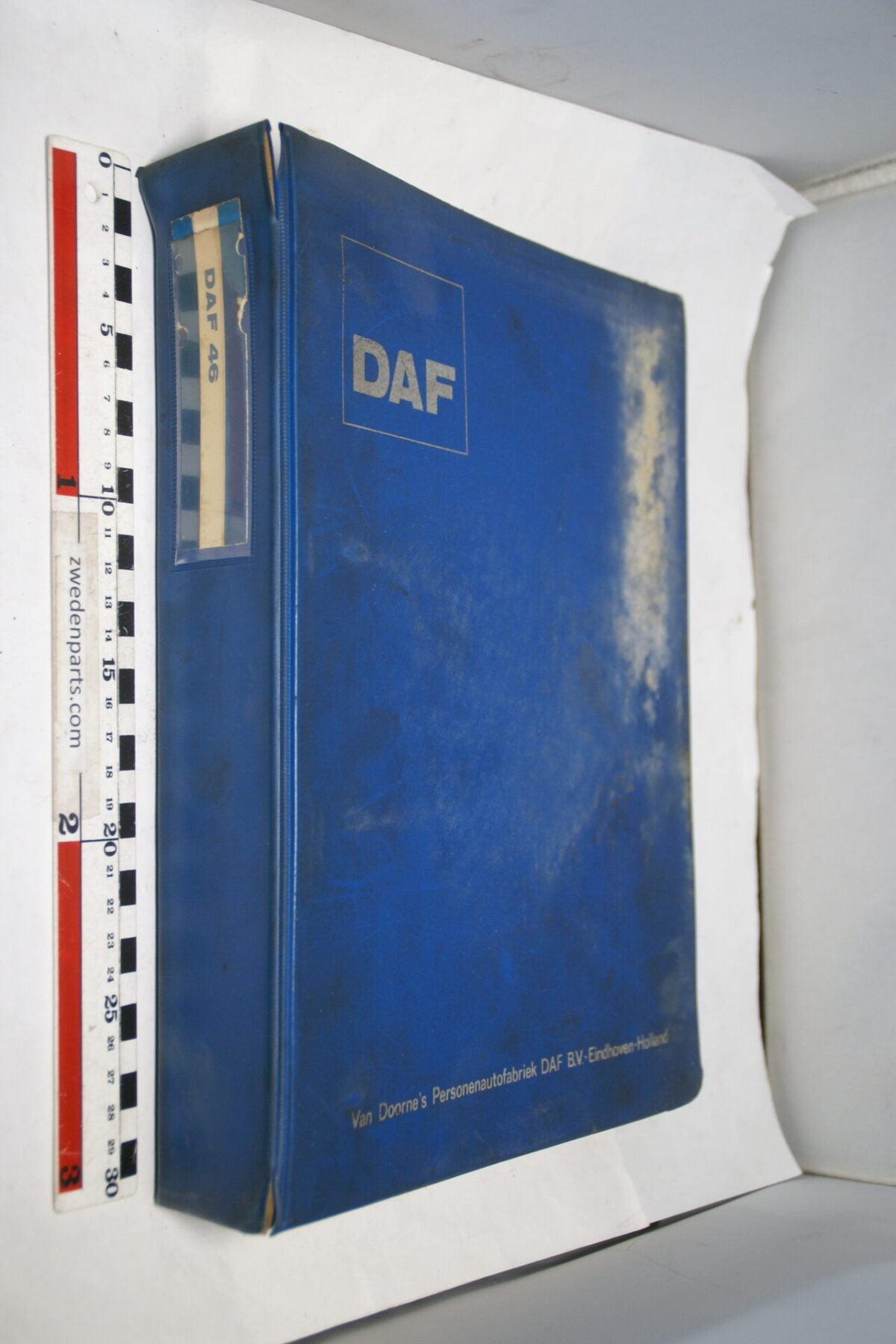 DSC01283 origineel DAF 46 onderdelenboek-e66e1d1d