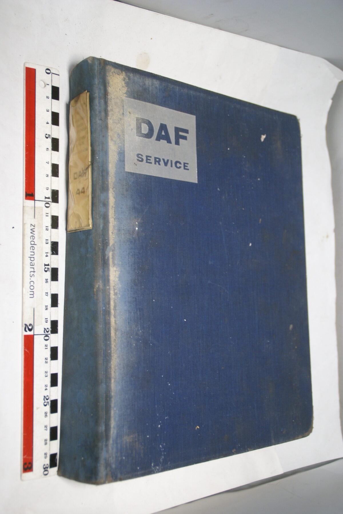 DSC01285 origineel DAF 44 onderdelenboek-1c4cc137