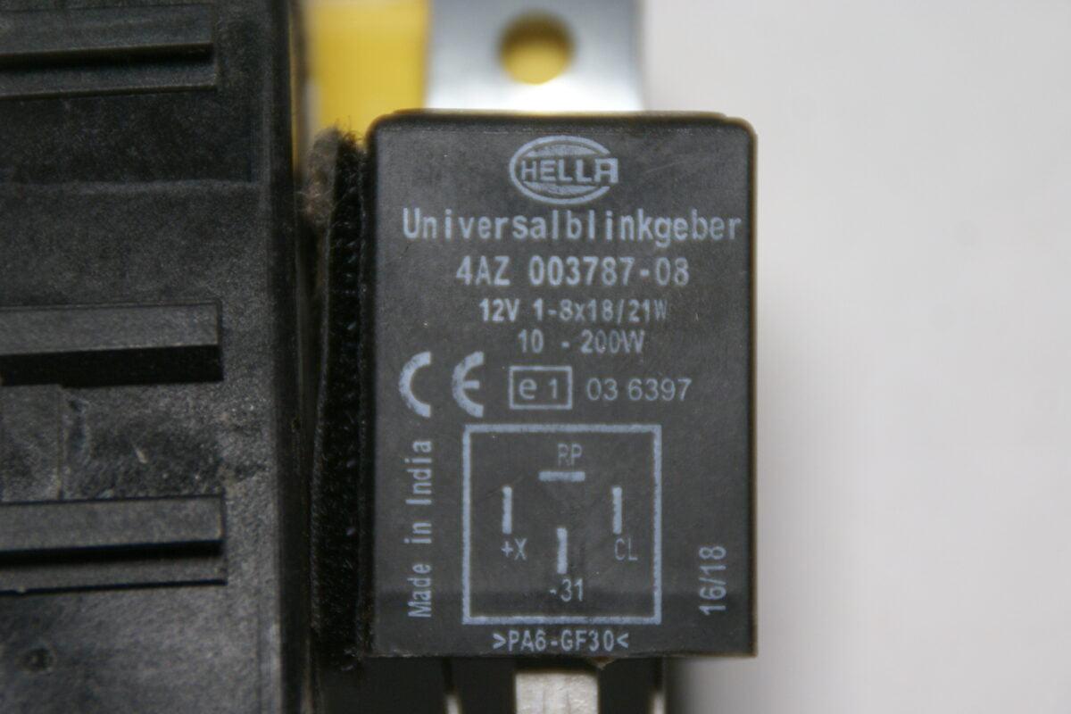 DSC09886 Hella relais blinker 4AZ003787-743586db