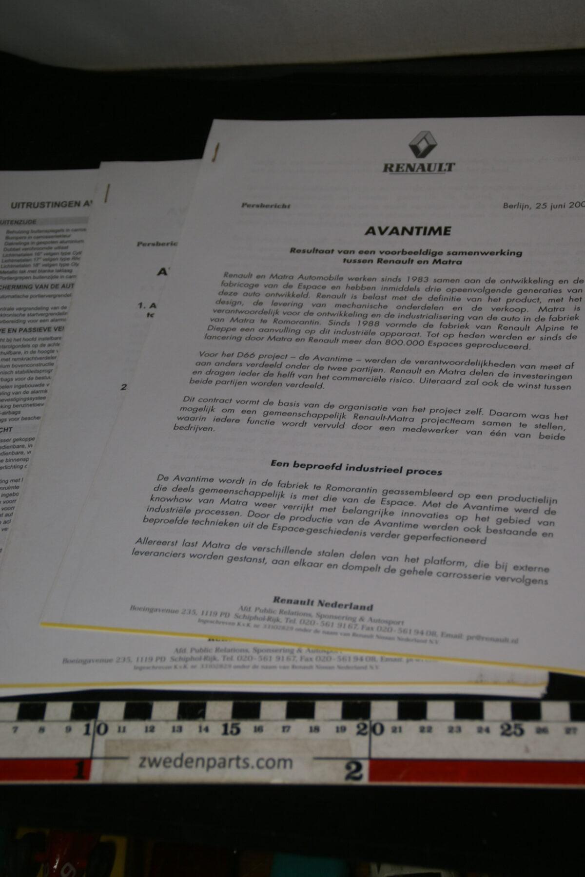 DSC00022 2000 originele persbericht Renault en Matra.JPG-3ac7c134