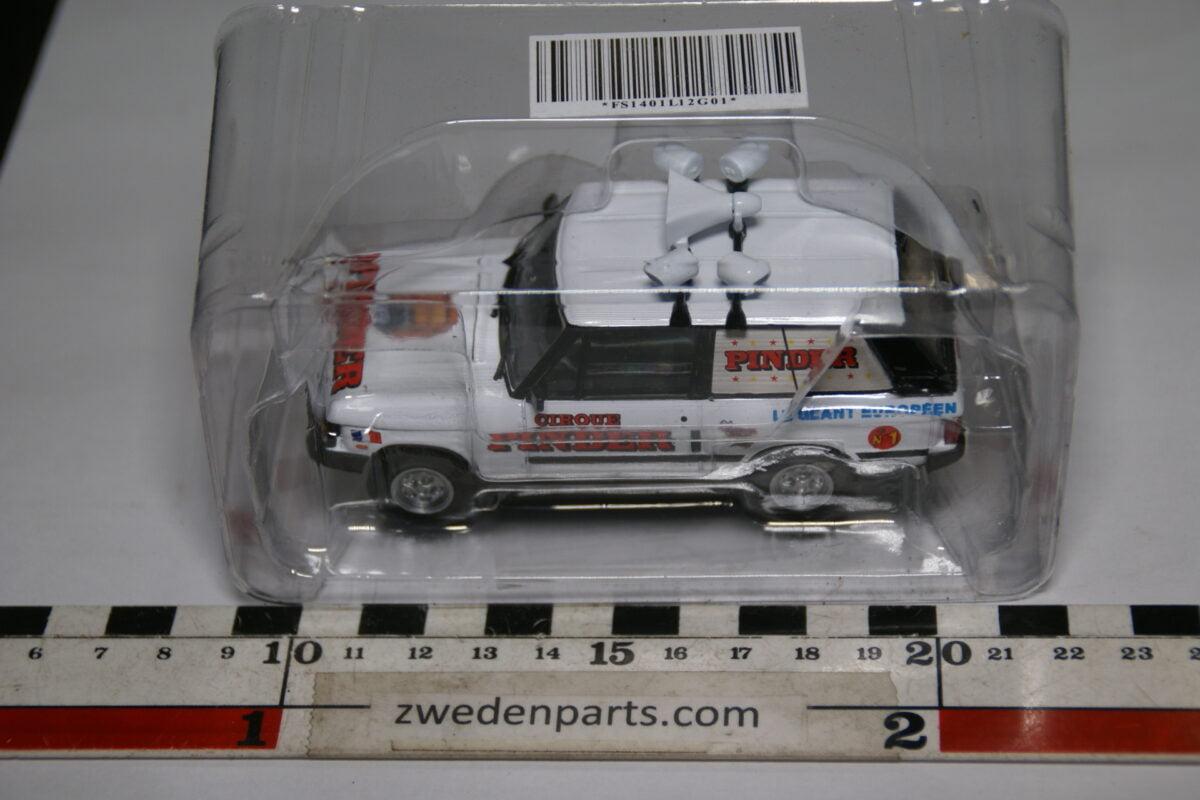 DSC01502 miniatuur Range Rover wit, Pinder Circus 1op43 MB-d355784b