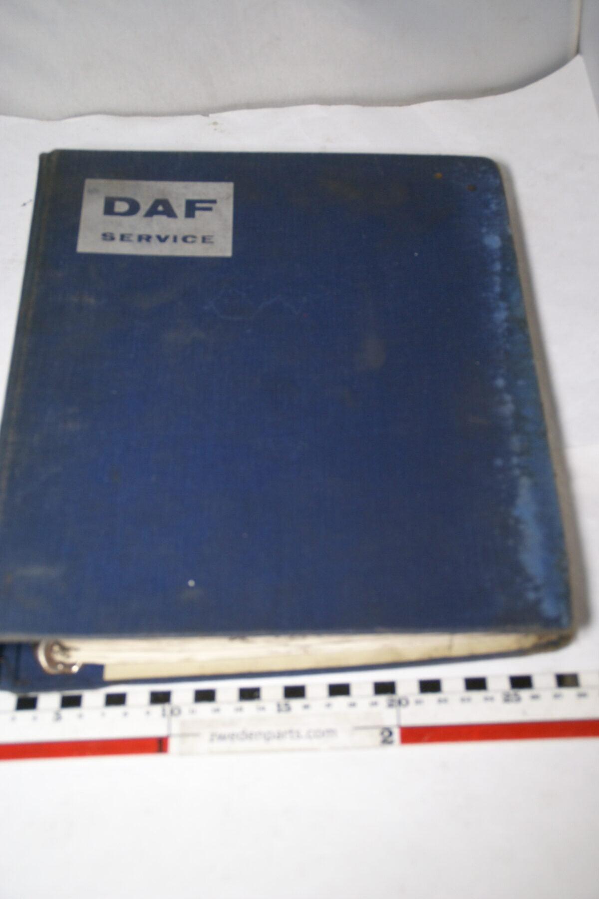 DSC01571 origineel DAF 55 66 onderdelenboek-c976e5c2