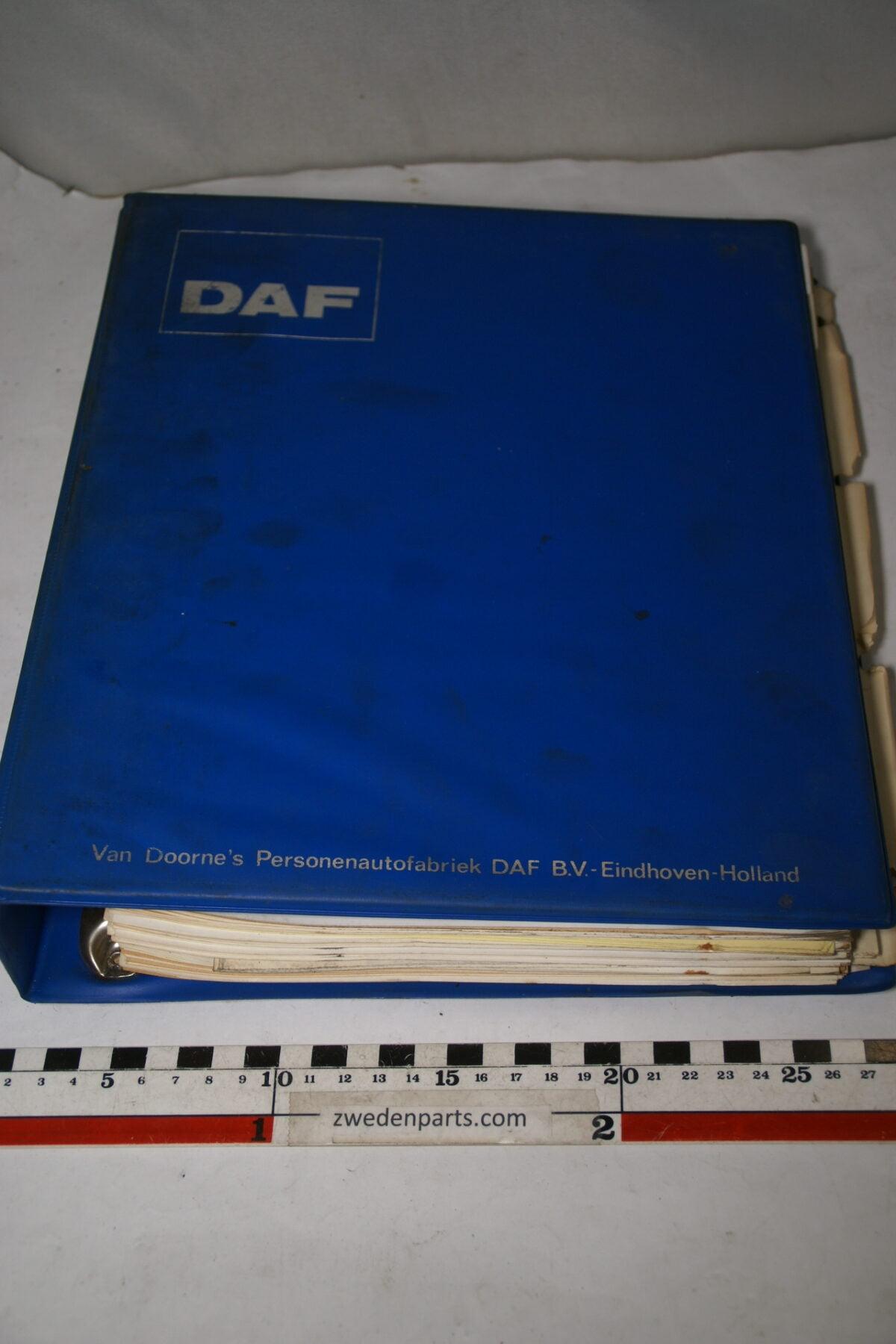 DSC01576 origineel DAF 46, 66 werkplaatsboek-3a0c6251