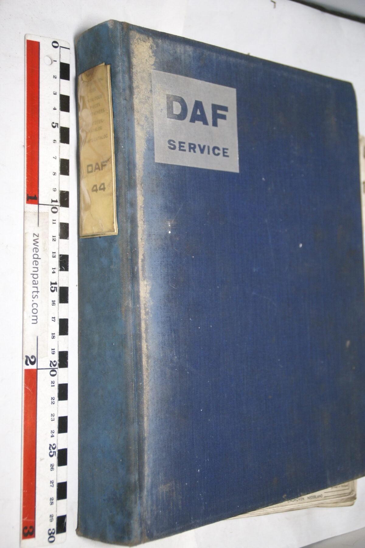 DSC01585 origineel DAF 44 onderdelenboek-76384ca5